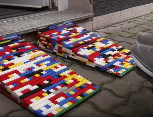 Igen kreatív módját választotta az érzékenyítésnek egy német kerekesszékes nagymama