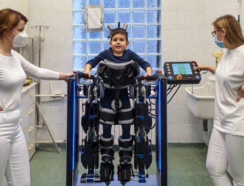 Egy ingyenes lehetőség SMA-s gyerekeknek: járást segítő robot a Budai Gyermekkórházban